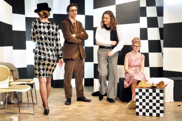 """Aufführung: """"Biografie: Ein Spiel"""" (Theater-AG 8-13)"""